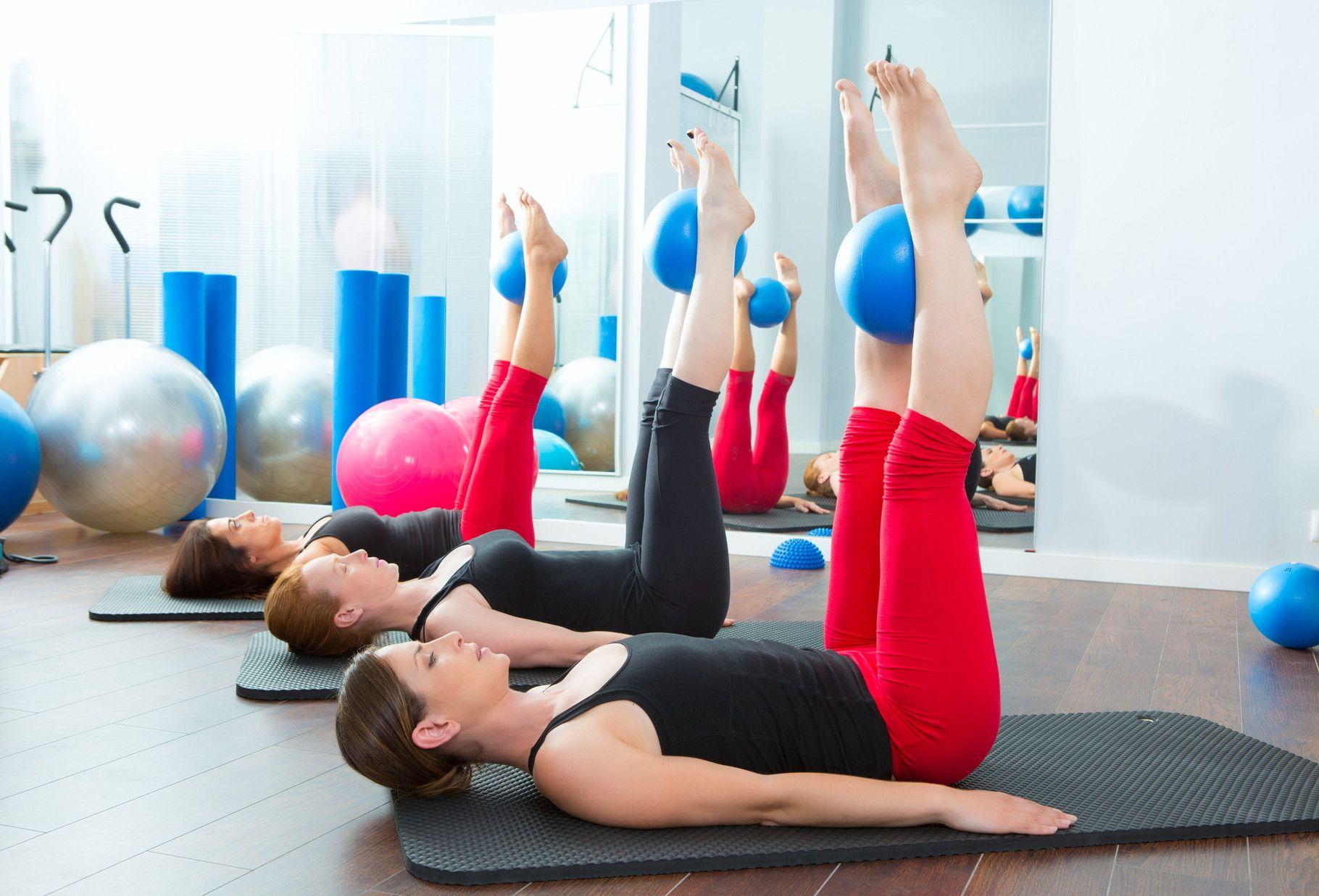 Эффективные упражнения с миниболом